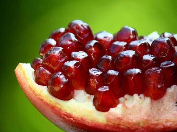 Summer skin care tips natural homemade face pack add this in pomegranate to get flawless and glowing skin | आला आला उन्हाळा... त्वचेला सांभाळा; डाळिंबाचे फायदे होतील तुम्हाला!