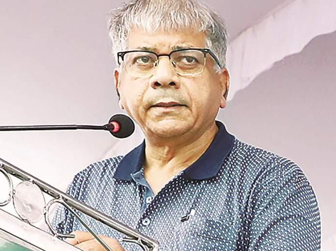 Maharashtra Election 2019: Muslim community should show secularism in action: Prakash Ambedkar | मुस्लिम समाजाने धर्मनिरपेक्षतेची भूमिका कृतीतून दाखवावी : प्रकाश आंबेडकर