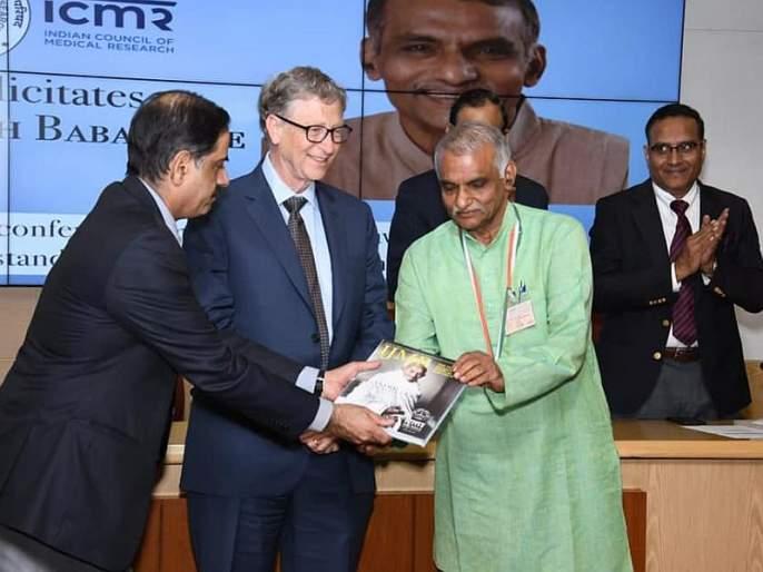 Caring of poor Patients! Bill Gates hands life time achievement award to Dr. prakash aamte | गोर-गरीबांच्या रुग्णसेवेची दखल ! बिल गेट्स यांच्या हस्ते डॉ. प्रकाश आमटेंना जीवन गौरव