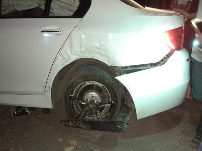 Director Praveen Tarade's car accident at Saswad in Pune | दिग्दर्शक प्रवीण तरडे यांच्या गाडीला अपघात, सुदैवाने दुखापत नाही