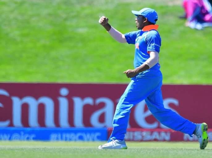 MCA prize of Rs. 25 lakh to the captain & Mumbaikar Prithvi Shaw | मुंबई क्रिकेट असोसिएशनकडून पृथ्वी शॉला 25 लाखांचं बक्षिस