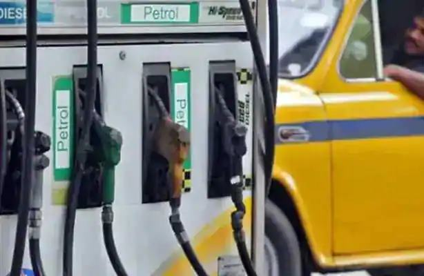 Fuel price hike; Diesel prices, including petrol, are at an all-time high | इंधन दरवाढीचा भडका; पेट्राेलसह डिझेलचेही दर उच्चांकी पातळीवर