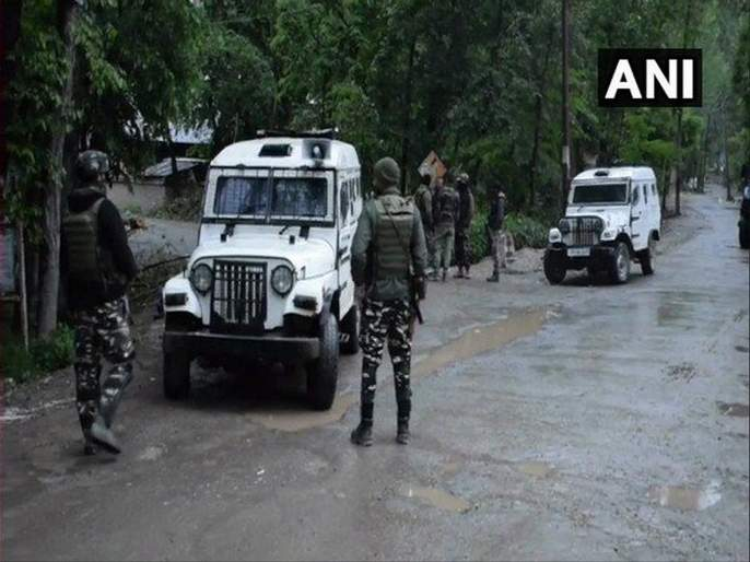 one Terrorist Shot Dead In Encounter With Security Forces In Jammu kashmirs Pulwama | पुलवामात एका दहशतवाद्याचा खात्मा; अनंतनागमध्ये चकमक सुरू