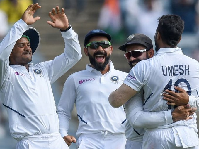South African tail fighted; India lead by 326 runs | दक्षिण आफ्रिकेचे शेपूट वळवळले; भारताला ३२६ धावांची आघाडी