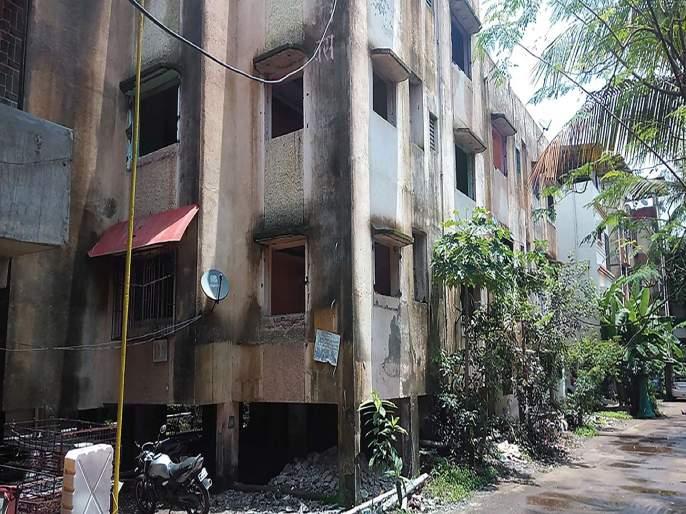 Four buildings in Mahad city are dangerous | महाड शहरातील चार इमारती धोकादायक