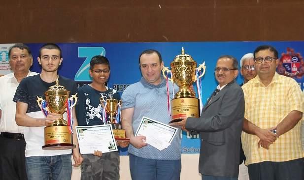 Mayor Prudhibhal: Grand Master Farooq became the winner | महापौर बुध्दिबळ :ग्रँडमास्टरफारुख ठरला विजेता