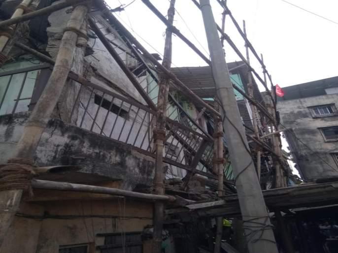 Injured woman collapses part of gallery | गॅलरीचा भाग कोसळून महिला जखमी