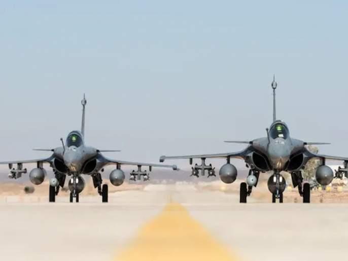 five Rafale fighter jets that took off from France lands at Ambala airbase | VIDEO: शत्रूंना धडकी भरवणारी राफेल विमानं भारतात दाखल; अंबाला हवाईतळावर लँडिंग