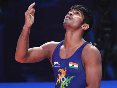 gold medal opportunity lost due to distraction of attention, said wrestler rahul aware | लक्ष विचलित झाल्याने हुकली सुवर्णपदकाची संधी - राहुल आवारे
