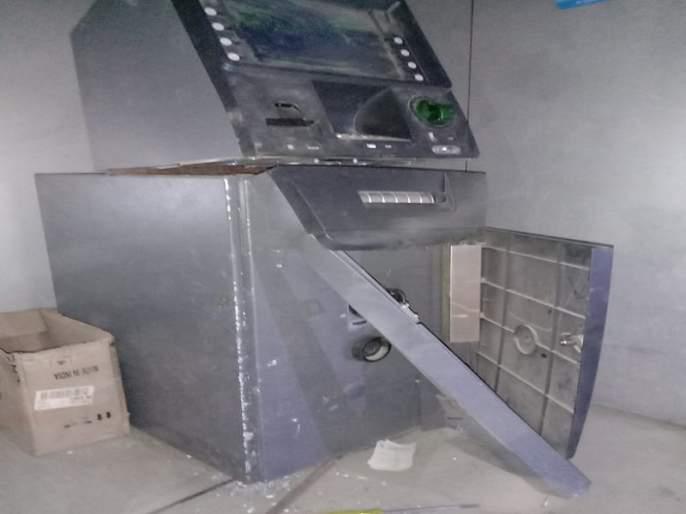 Attempts to break into existing ATMs failed; One was chased by the police | राहुरीत एटीएम फोडण्याचा प्रयत्न फसला; पोलिसांनी एकास पाठलाग करुन पकडले