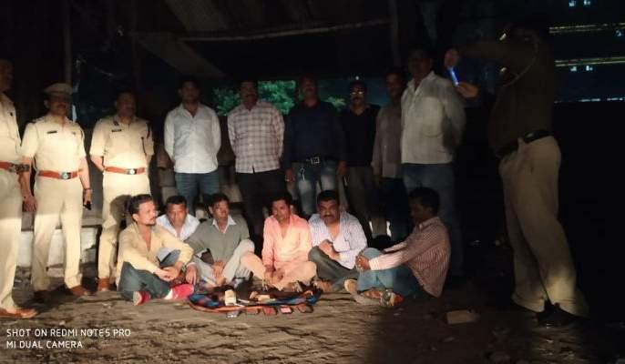 In Nagpur, raid on the notorious Meshram's satta den | नागपुरात कुख्यात मेश्रामच्या मटका अड्डयावर छापा