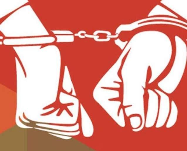 Youth arrested for stealing Rs 7 lakh   सात लाख रुपये चोरी करणाऱ्या तरुणास अटक