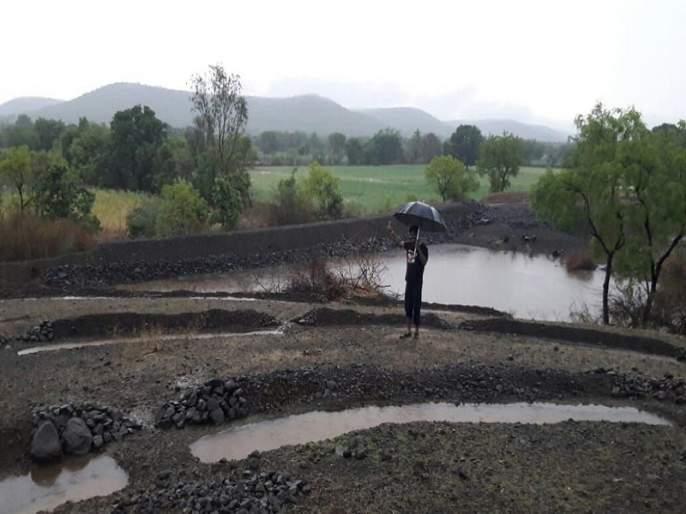 Agriculture destroyed by return rains   परतीच्या पावसाच्या धिंगाण्याने शेती उद्ध्वस्त