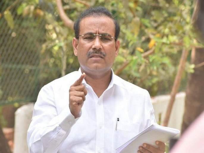 If we leave home, we will be admitted to a private hospital, Health Minister Rajesh Tope warned | घराबाहेर पडाल तर खासगी रुग्णालयात दाखल करू, आरोग्यमंत्री राजेश टोपे यांचा सज्जड इशारा
