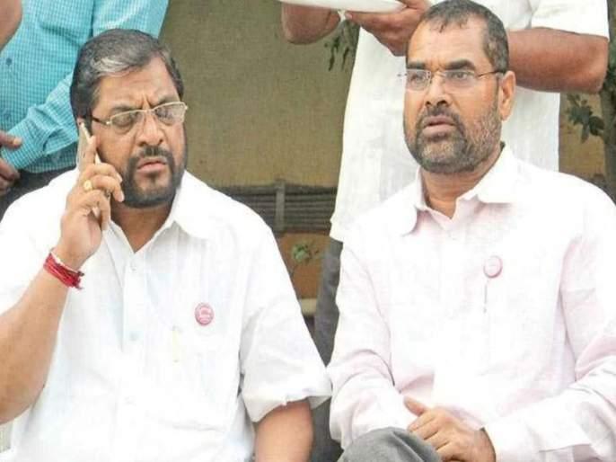raju shetty and sadabhau khot likely to come together again | राजकारणात कोणीच कोणाचा कायमचा शत्रू नसतो; सदाभाऊ खोतांचा राजू शेट्टींना हात?