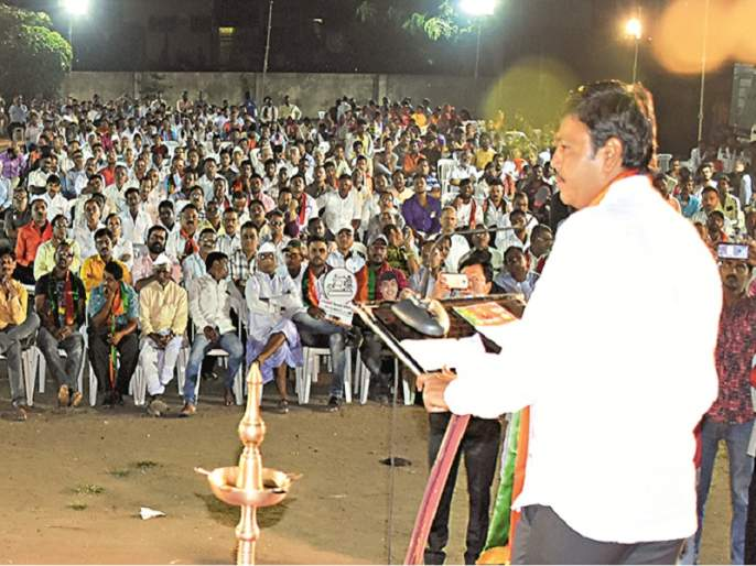 Maharashtra Election 2019: Raju Shinde's 20 km padyatra in 15 hours   Maharashtra Election 2019 :१५ तासांत राजू शिंदेंची २० कि.मी. पदयात्रा