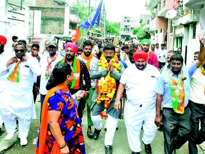 Maharashtra Assembly Election 2019: Milind Mane stressed on padyatra | Maharashtra Assembly Election 2019 : मिलिंद माने यांचा पदयात्रेवर भर