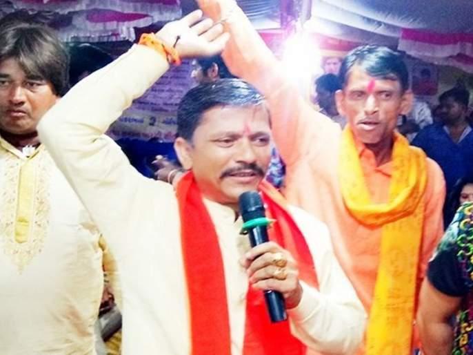 lok sabha election gujarat bjp mla says modi govt fitted cctv in polling booths if less votes to bjp | मोदींनी कॅमेरे लावलेत, भाजपाला मत न दिल्यास काम मिळणार नाही; भाजपा आमदाराची धमकी