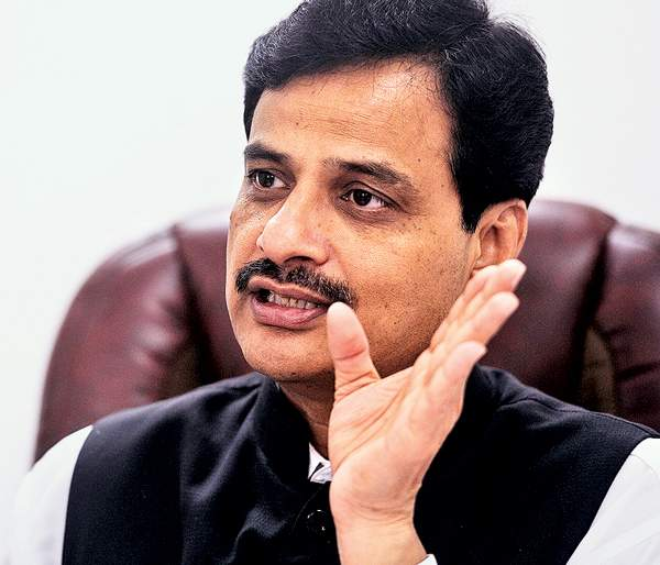 BJP government does not keep track of Shiv Sena ministers, clarification from Minister of State for Home Ranjeet Patil | भाजप सरकार शिवसेनेच्या मंत्र्यांवर पाळत ठेवत नाही, गृहराज्यमंत्री रणजित पाटील यांचे स्पष्टीकरण