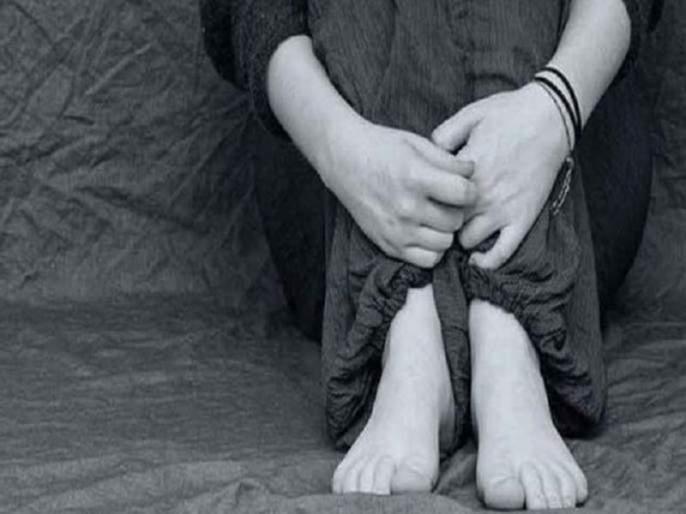 Torture, Harrasment of victim on point of knife | चाकूचा धाक दाखवून पीडितेवर केली बळजबरी