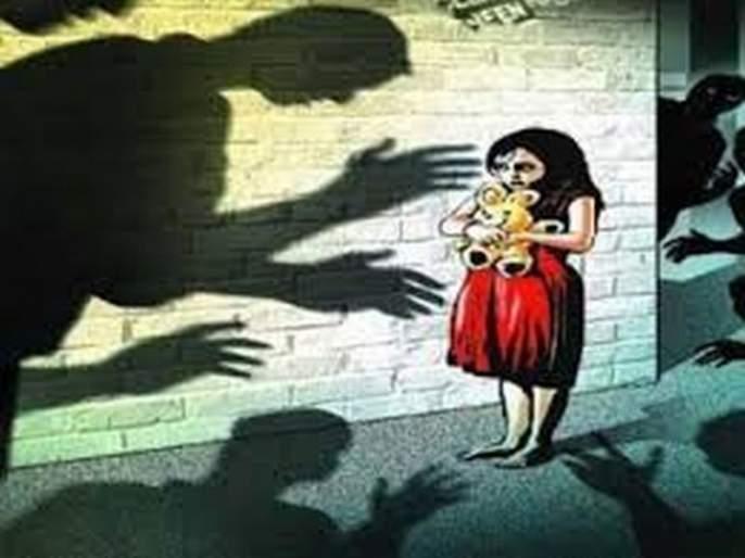 hathras two boys held for allegedly raping 4 year old girl police custody | हाथरस पुन्हा हादरले! अल्पवयीन मुलांनी केला 4 वर्षीय चिमुकलीवर बलात्कार