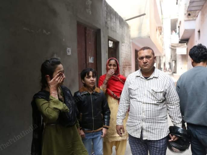Delhi Violence: Hindu family gives shelter to homeless Muslim family victims of violence pnm | Delhi Violence: दिल्ली हिंसाचारातील पीडित बेघर मुस्लीम कुटुंबीयांना दिला हिंदू परिवाराने आसरा