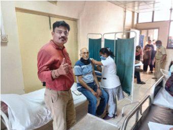 Seniors help for registration in private hospitals | खासगी रुग्णालयांत नोंदणीसाठी ज्येष्ठांचे हेलपाटे