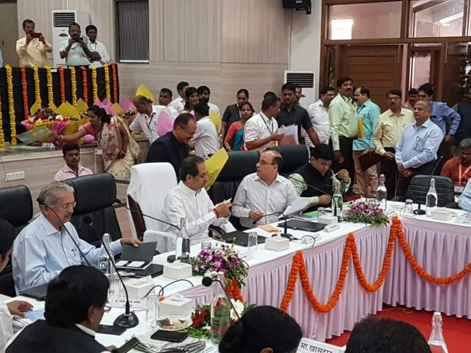 Strategic Decision on Land Transfer of Devasthan Samiti within a Month - Chief Minister Uddhav Thackeray   देवस्थान समितींच्या जमीन हस्तांतरणाबाबत महिन्याभरात धोरणात्मक निर्णय : मुख्यमंत्री