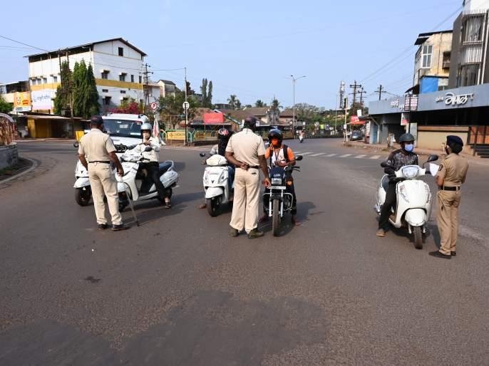 All the roads in Ratnagiri district became uninhabited | रत्नागिरी जिल्ह्यातील सारेच रस्ते झाले निर्मनुष्य