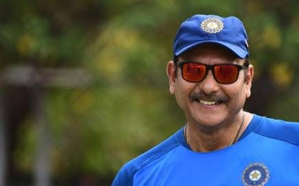 India vs West Indies: Ravi Shastri happy with 'this' player on the field; But not a given place in the team | India vs West Indies : रवी शास्त्रींनी मैदानात 'या' खेळाडूचे केले लाड; पण संघात नाही दिलं स्थान
