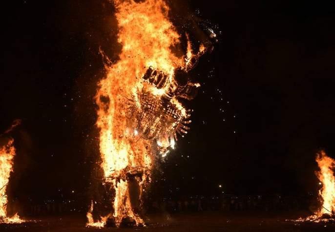 In Jai Sriram's alarmed Ravana dahan performed in Nagpur | नागपुरात जय श्रीरामाच्या गजरात रावणाचे दहन