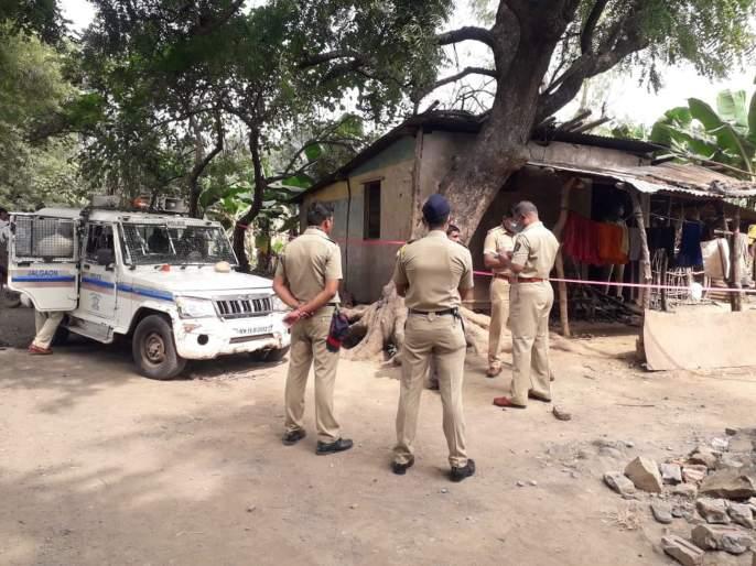 four children stabbed to death in raver of jalgaon   Jalgaon News : जळगाव हादरलं! रखवालदाराच्या चार मुलांची कुऱ्हाडीनं घाव घालून निर्घृण हत्या