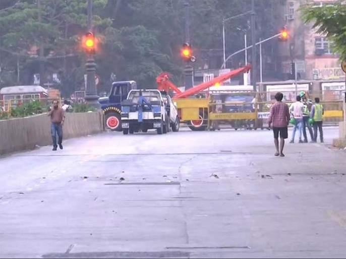 """Mumbai CST Bridge Collapse: """"Those"""" red signals saved many lives   Mumbai CST Bridge Collapse: """"त्या"""" रेड सिग्नलमुळे अनेकांचे जीव वाचले"""