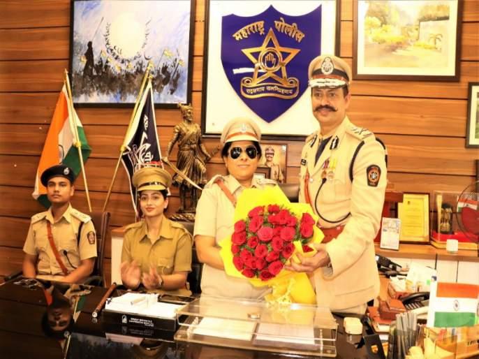 One-day Commissioner of Police Rina Patil becomes blind; Honored by Krishna Prakash | दृष्टीहीन रिना पाटील झाल्या एक दिवसाच्या पिंपरी पोलीस आयुक्त; कृष्ण प्रकाश यांनी दिला बहुमान