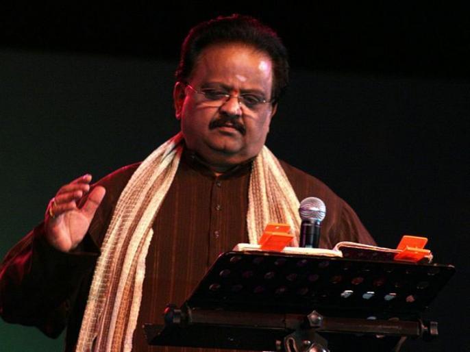 Singer s p balasubrahmanyam once said as he opened up on regrets in his life | एसपी बालासुब्रमण्यम यांना आयुष्यभर वाटत होती या गोष्टीची खंंत, मुलांबाबत केले होते वक्तव्य