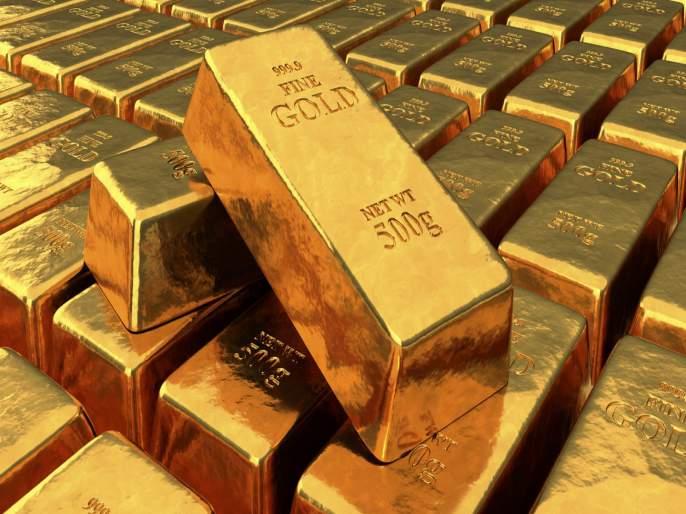 44 year old woman arrested with 592 gm gold at airport hidden in undergarments | बॉयफ्रेन्डने दिलं होतं ३१ लाखांचं सोनं, अंडरगारमेंटमध्ये लपवून आणताना पकडली गेली महिला...