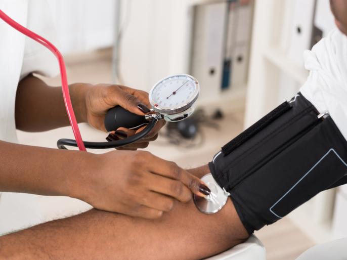 High Blood Pressure: Facial flushing and blood spots in eyes are two lesser known warning sign | High Blood Pressure: हाय ब्लड प्रेशरच्या २ वॉर्निंग साइन; डोळे आणि चेहऱ्यावरील निशाणाकडे करू नका दुर्लक्ष!
