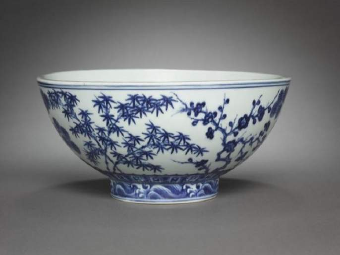 Bowl bought for just Rs 2500 in us turns out to be worth up to above 3 crore | ५०० वर्ष जुन्या दुर्मीळ वस्तूचा लिलाव, २५०० चा कटोरा ३ कोटींमध्ये विकला जाणार!