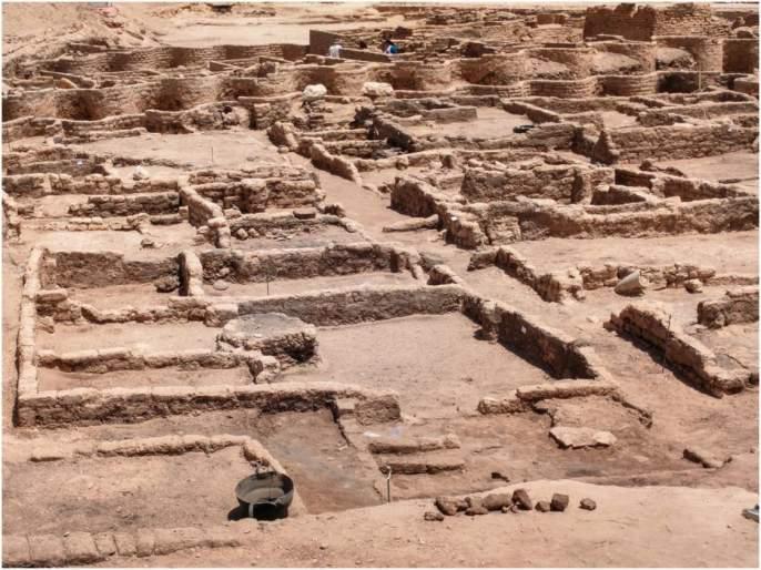 Watch Egypt luxor stunning lost golden city first video goes viral | Golden City Egypt: इजिप्तमध्ये सापडलं ३ हजार वर्ष जुनं 'सोन्याचं' अद्भुत शहर, समोर आला व्हिडीओ...
