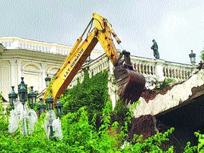 Hammer at Ashok Mittal's resort | अशोक मित्तल यांच्या रिसॉर्टवर हातोडा