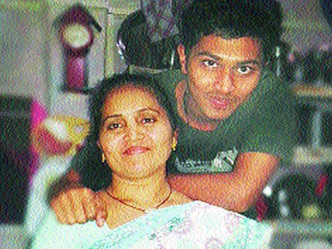 boy did the hard thing of mother, the son of a housekeeper, in ISRO | पोरानं पांग फेडलं, घरकाम करणाऱ्या महिलेच्या मुलाची ISRO मध्ये निवड