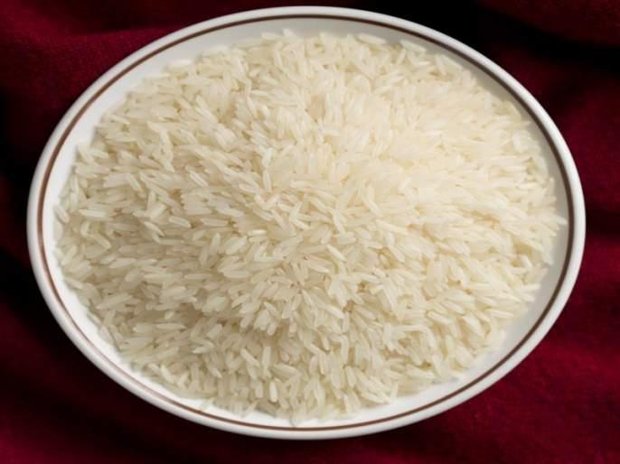 The Chief Minister expressed his displeasure over the road rice to the tribals | आदिवासींना सडके तांदूळ, मुख्यमंत्र्यांनी व्यक्त केली नाराजी