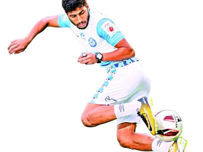 Rickshaw driver's footballer Son hit tremendous goal in his life | रिक्षाचालकाच्या फुटबॉलर लेकाचा जबरदस्त गोल