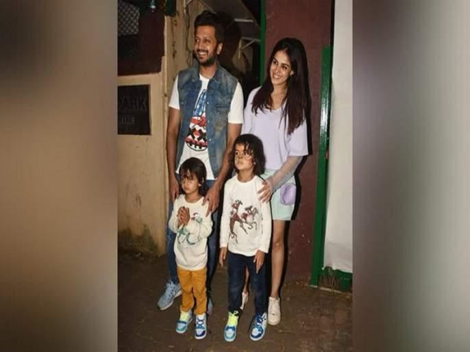 Riteish Deshmukh son Riaan and Rahyl speaks marathi in home | रितेश देशमुखने दोन्ही मुलांना शिकवलीय मराठी भाषा, बोलतात अस्खलित मराठी, घ्या हा पुरावा
