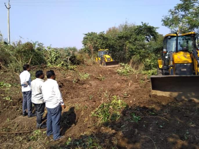 Water problems of 13 villages will be eradicated from 'Madan' river | 'मडाण' नदीचे खोलीकरण मिटविणार १३ गावांची पाणी समस्या