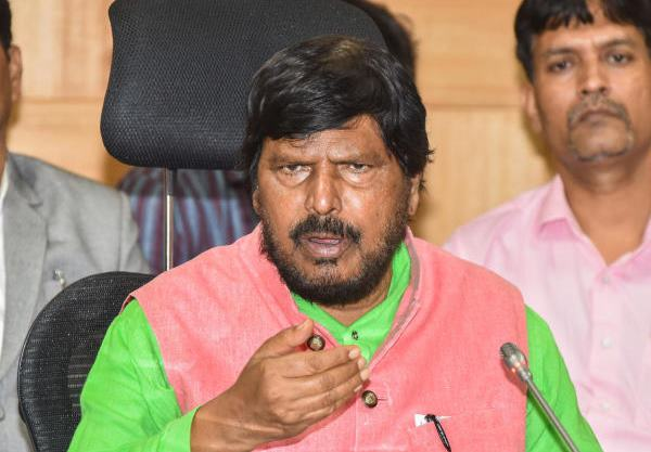 Helicopter to Ripa for elections in Tamil Nadu and pumpkin symbol in 4 states, Says ramdas athawale   निवडणुकांसाठी रिपाइंला तामिळनाडूत हेलिकॉप्टर तर 4 राज्यात कपबशीचं चिन्ह