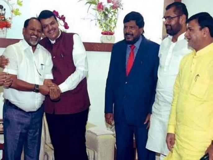 The state of BJP's allies party have big question after bjp in oppostion, ramdas athavale | भाजपाच्या मित्रपक्षांची अवस्था म्हणजे 'इकडं आड तिकडं विहीर'