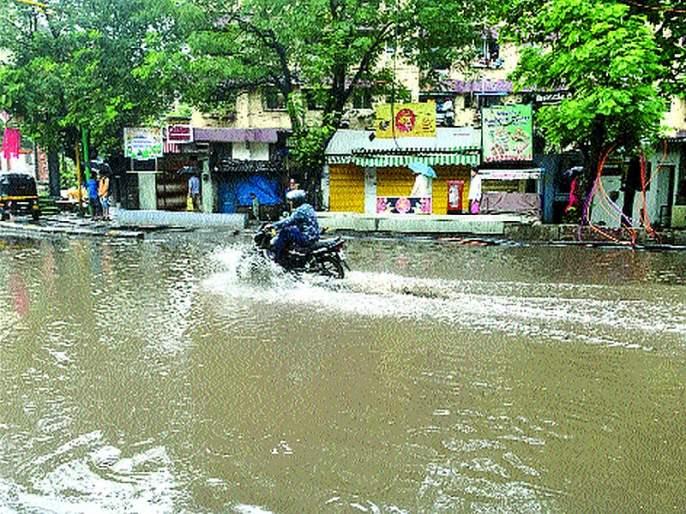 Rain showers in the district of thane | जिल्ह्यात ठिकठिकाणी कोसळल्या पावसाच्या सरी