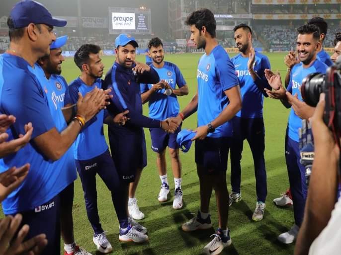 India vs Bangladesh, 1st T20I : Rohit Sharma will become the most capped Indian player in T20Is, He'll go past MS Dhoni   India vs Bangladesh, 1st T20I : रोहित शर्मानं कॅप्टन कूल महेंद्रसिंग धोनीचा विक्रम मोडला