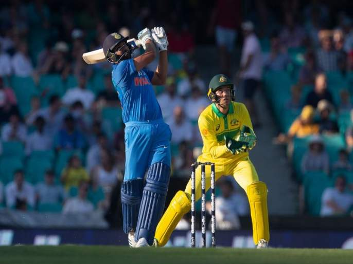 India vs Australia 1st ODI : Rohit Sharma equals sachin Tendulkar's record | India vs Australia 1st ODI : रोहित शर्माची तेंडुलकरच्या विक्रमाशी बरोबरी, कॅप्टन कोहली पडला मागे